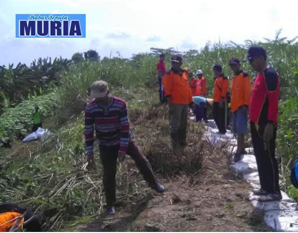 Antisipasi Luapan Sungai Wulan , Bantaran Kali Desa Pecuk dan Jleper Demak di Bersihkan