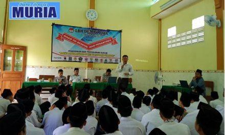 LBH Demak Raya Berikan Pendidikan dan Penyuluhan Hukum Santri Pondok