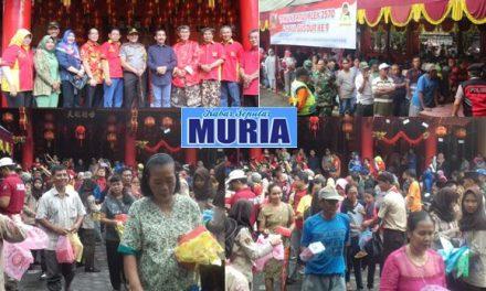 Perayaan Imlek di Pati , Bagi bagi 2000 Biji Kue Untuk Masyarakat Lintas Agama
