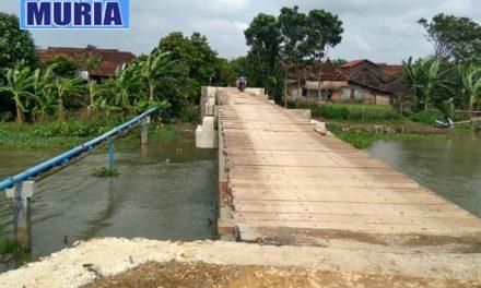 Asyik !!!! Lewat Jembatan Sasak Ndoro Payung Kaliombo Jepara  Tak Bayar Lagi