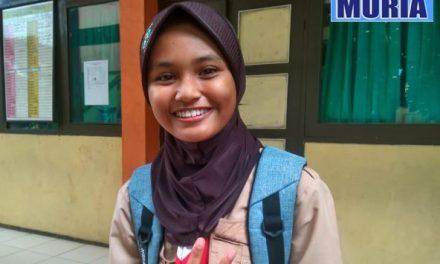 Norina Fabrillia Rosa Siswa SMP 1 Pecangaan Jepara  Yang Bersuara Merdu
