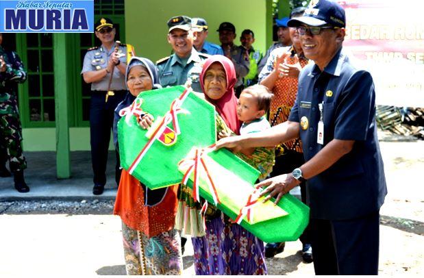 TNI Manunggal Membangun Desa Wujud Kepedulian Kita Pada Sesama