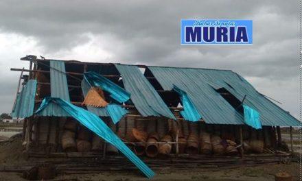 Puluhan Gudang Garam Di Kedungmalang di Terjang Angin Putting Beliung