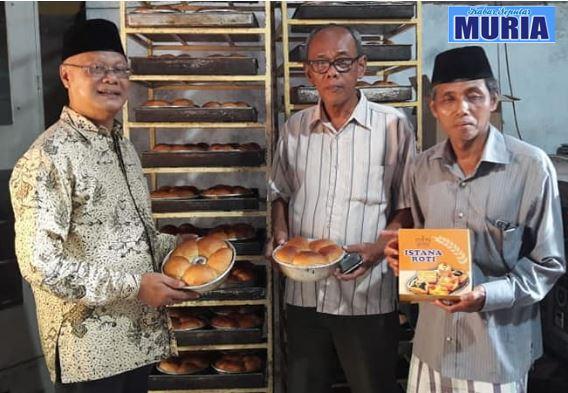 Pak Mashudi Pengusaha Roti Desa Bugo Jepara , Berharap Pak Hendro Jadi Anggota DPR RI