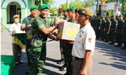 Hore !!!!!!Anggota TNI dan PNS Kodim  serta Satdisjan Kodim 0721/Blora menerima Bingkisan dari KASAD