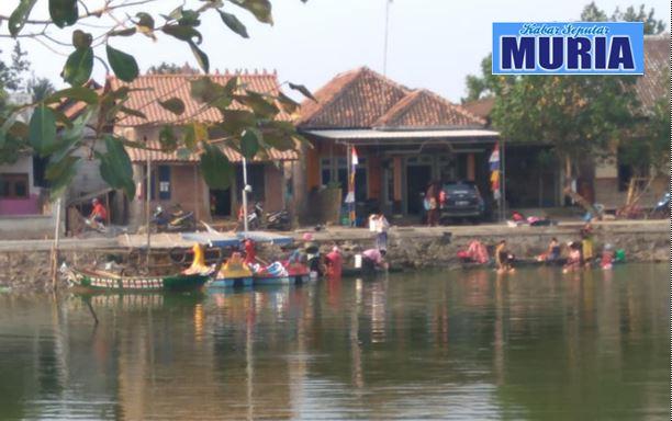 Kekeringan Warga Desa Kedungkarang Demak , Gunakan Air kolam Dangkal untuk Mandi dan cuci