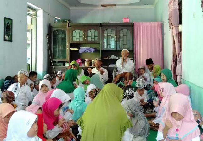 Hari Santri Nasional, KB Al-Azhar Kunjungi Pondok Assanusiyah