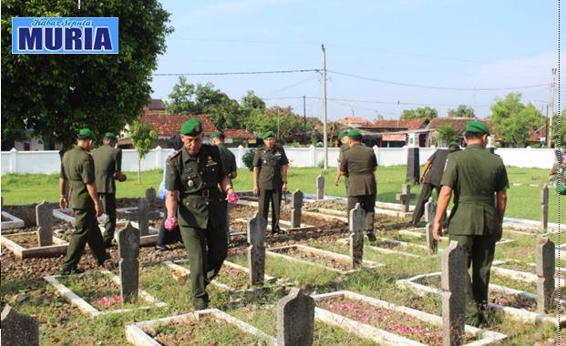 Ziarah di Taman Makam Pahlawan Giri Dharma Pati  Dalam Rangka Hari Juang TNI AD