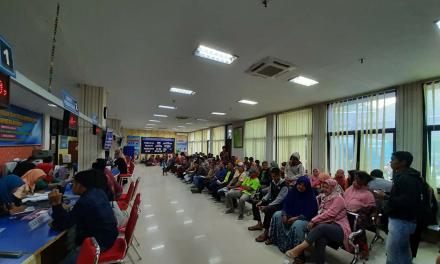 Pasca Blanko E-KTP Tersedia , Antrian di Capil Demak Capai 400 Orang