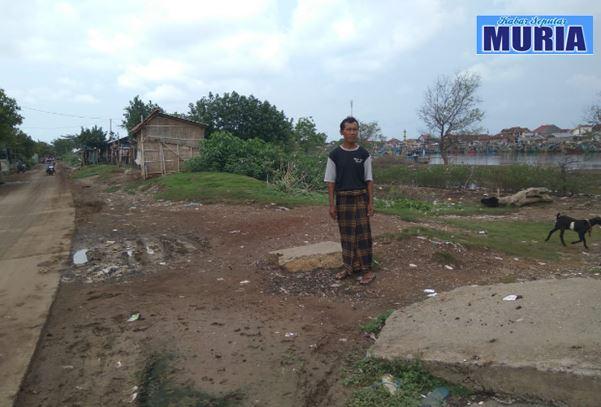 Tanggul Sungai SWD II Kritis Warga Berharap di Talud oleh BBWS Seluna