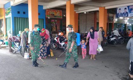 Personil TNI Geruduk Pasar Bintoro Demak,Basmi Virus Corona