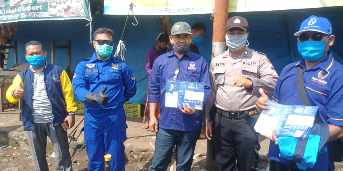 Partai Nasdem Jepara Semprot Disinfektan Pasar Pecangaan dan Desa Gerdu