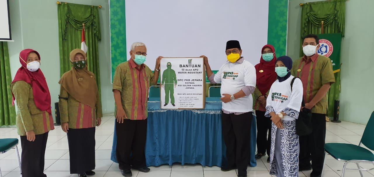 PKB serahkan 50 Baju Hazmat kepada RSI Sultan Hadlirin