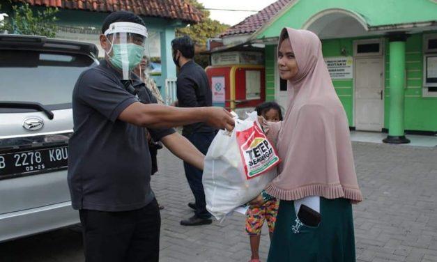 Tepati Janji Ganjar Kirim 7000 Paket Sembako Untuk Warga Jabodetabek