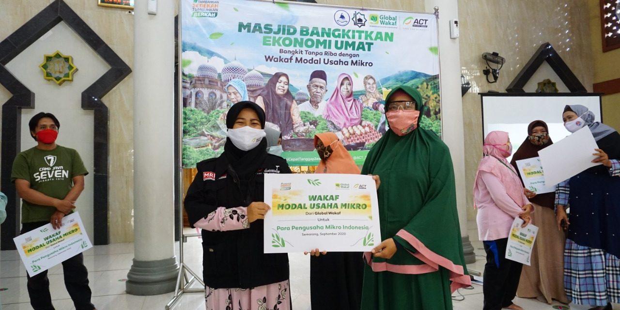ACT Jateng Salurkan Bantuan Wakaf Modal Usaha Berbasis Masjid di Kota Semarang