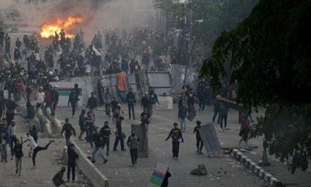 Usut Tuntas Penganiaya Jurnalis ,  di Aksi Unjuk Rasa Omnibus Law