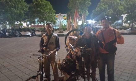 Mbah Bejo Sejak Januari Menelusuri Jalanan Untuk Silaturahmi Sesama Penggemar Sepeda Tua