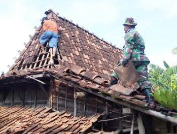 Angin Puting Beliung Serang Desa Doreng Demak , 2 rumah rusak berat