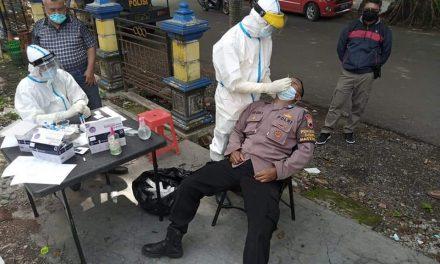 Jelang Pam TPS, Personil Polsek Wedung Jalani Swab Test