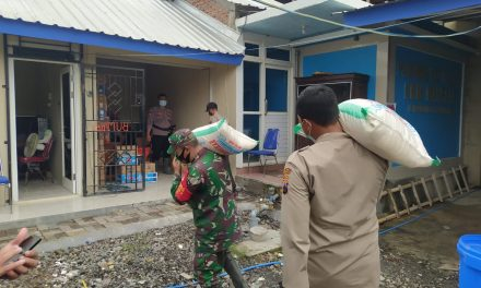 Dapur Umum Di Kantor Desa Sayung Pasok Makan Untuk Pengungsi Banjir