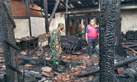 Konsleting Listrik, Satu Rumah di Rejosari Karangawen Ludes Terbakar
