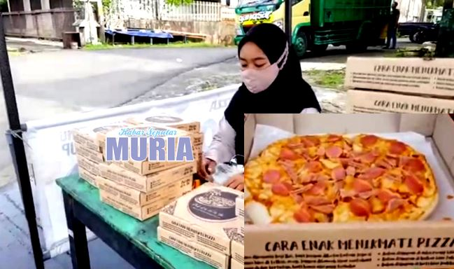 Mahasiswa Ini Jualan Pizza Serba Rp 10.000 , Di Jalan Pemuda Jepara