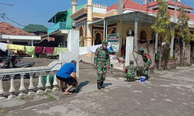 Menyambut Bulan Suci Ramadhan, Koramil 02/Bonang Gelar Karya Bakti Di Masjid Arrahman