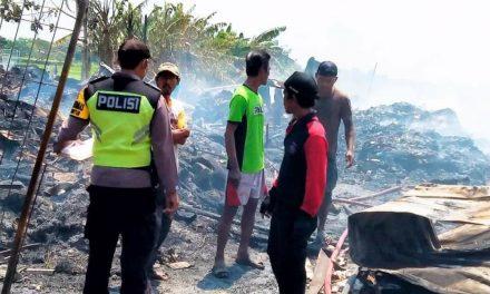 Gudang Rosok Di Demak Terbakar Ludes Tak Bersisa