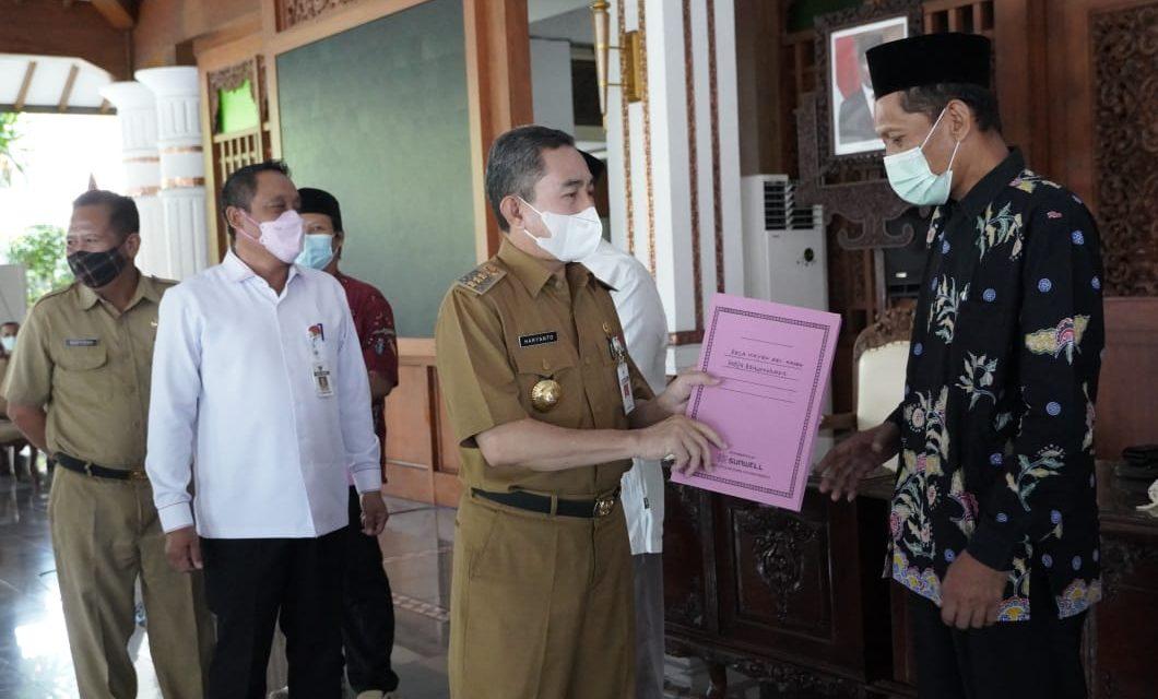 Bupati Haryanto Salurkan Bantuan Keuangan Kepada 6.996 Lembaga Keagamaan