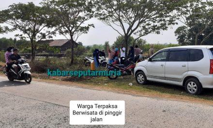 Efek Penutupan Pantai di Jepara  ,Warga Berwisata di Pinggir Jalan