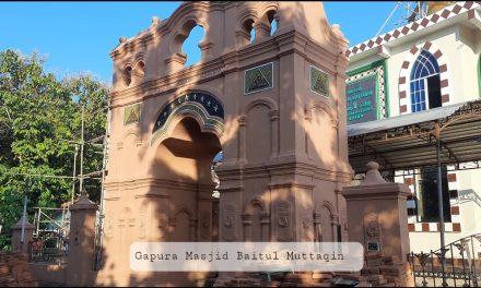 Masjid Baitul Muttaqin Wanusobo Jepara , Gapuranya Unik Berbahan Tanah Liat dan Remukan Bata