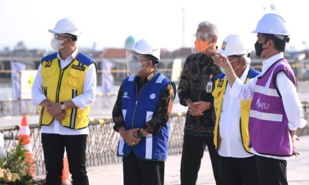 Presiden Jokowi Tinjau Pembangunan Jalan Tol Semarang-Demak