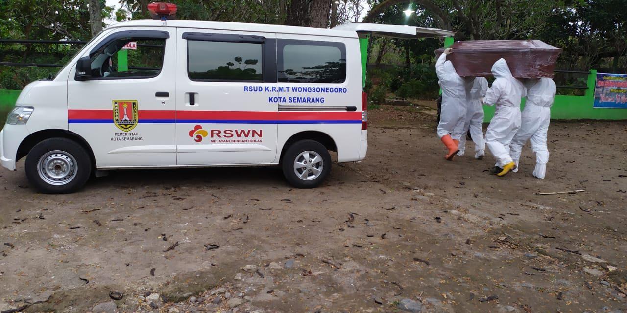 Diduga Terkonfirmasi, Warga Batursari Mranggen Dimakamkan Dengan Protokol Covid-19